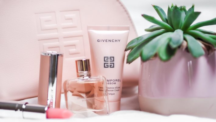 Tρία beauty προϊόντα που κάθε γυναίκα πρέπει να έχει πάντα στη τσάντα της