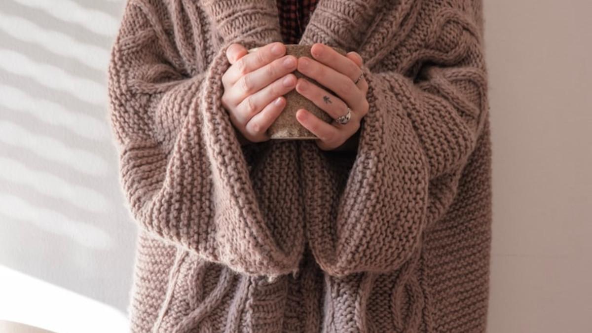 Με αυτό το απλό tip δεν θα ξαναδείς κόμπους στα αγαπημένα σου πουλόβερ