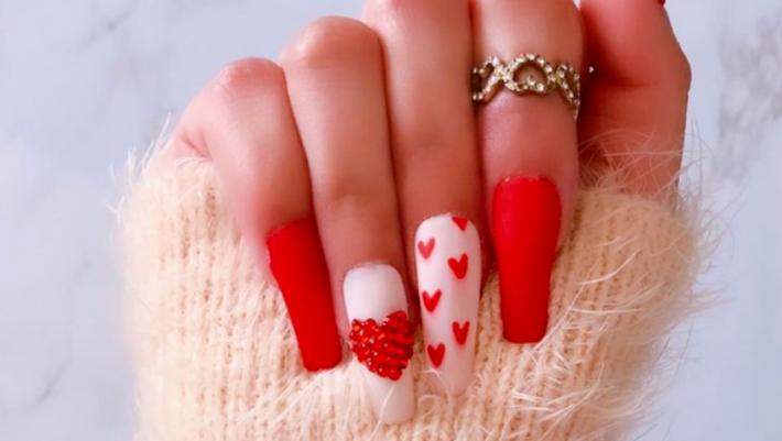 Happy Valentine's nails: Ιδού το μεγαλύτερο mani trend για τον Φλεβάρη
