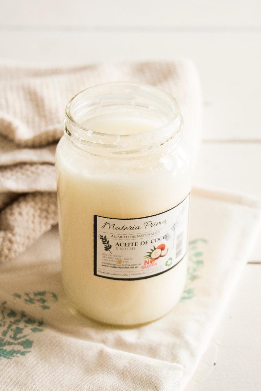 Σπιτική λοσιόν με γάλα καρύδας για φυσικά ίσια μαλλιά χωρίς πρέσα