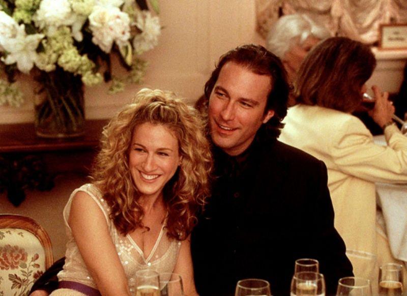 Ε όχι! Από το νέο «Sex and the City» θα... παρελάσουν όλοι οι εραστές της Carrie - εκτός από έναν!