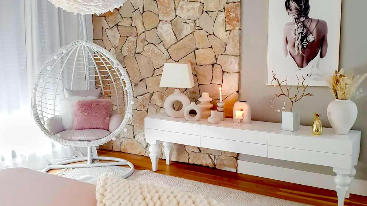 Hug chairs,  τάση που θα αγαπήσεις: Η καινούργια μόνιμη αγκαλιά μέσα στο σπίτι σου