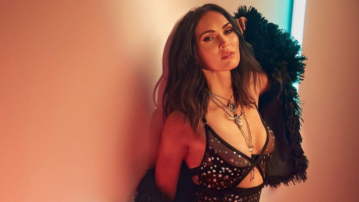 5 instagram posts που απέδειξαν πως η Megan Fox είναι η πιο ωραία γυvαίκα του πλανήτη