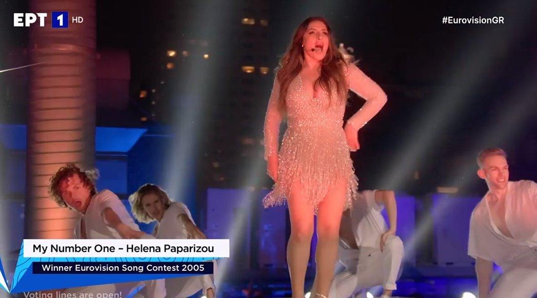 Έλενα Παπαρίζου: Το σώμα της με μαγιό κλείνει τα στόματα όσων την χαρακτήρισαν «χοvτρή» (Pic)