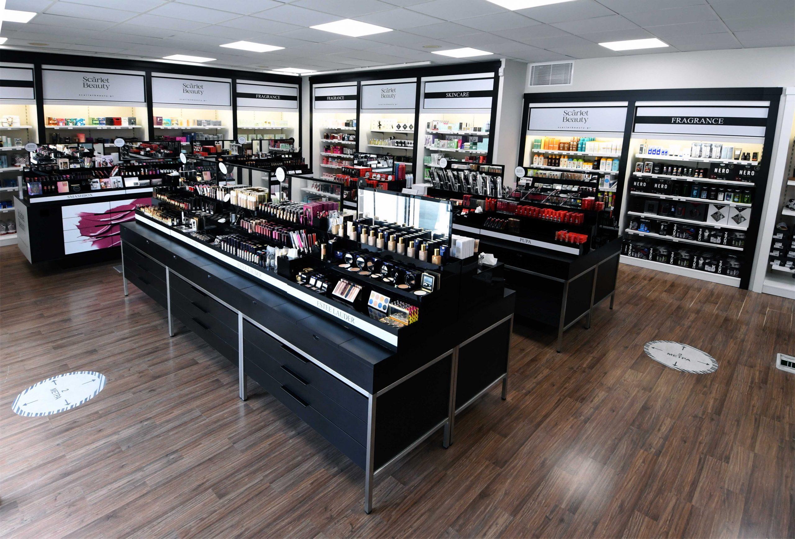 Scãrlet Beauty | O ναός της ομορφιάς μόλις απέκτησε (και) φυσικό κατάστημα
