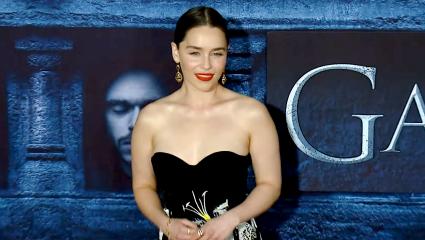 Emilia Clarke | Δημιουργεί μία comic superhero που αντλεί δύναμη… από την περίοδό της και δεν έχουμε λόγια