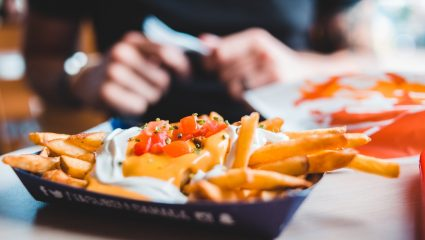 Loaded fries | Φτιάξε την αγαπημένη σου γεμιστή ατασθαλία σε λιγότερο από 60′