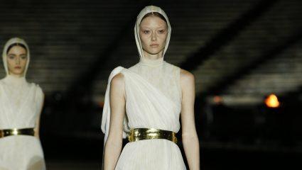 Dior Cruise 2022 |  Φαντασμαγορικό fashion show με φόντο τον Παρθενώνα