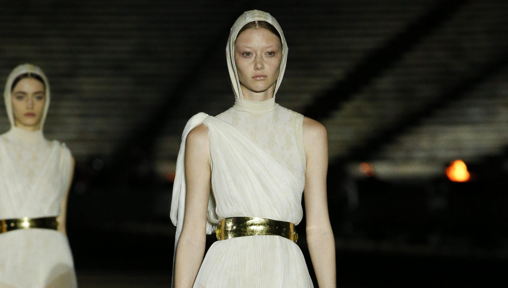 Dior Cruise 2022    Φαντασμαγορικό fashion show με φόντο τον Παρθενώνα