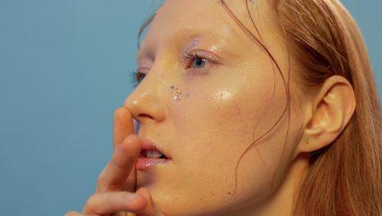 DIY | Σπιτική μάσκα αντιγήρανσης με κεράσι και φράουλες