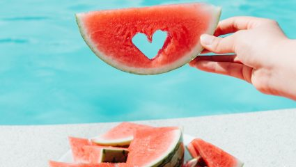 Για την υγεία και την ομορφιά σου! Τρεις λόγοι για να τρως μια φέτα καρπούζι κάθε μέρα